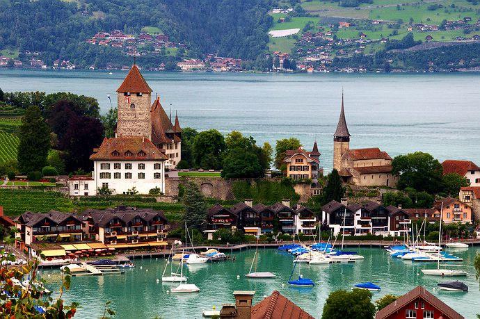 瑞士湖畔主题小镇