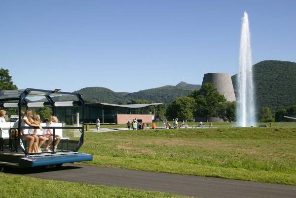全球唯一座火山主题公园—法国Vulcania